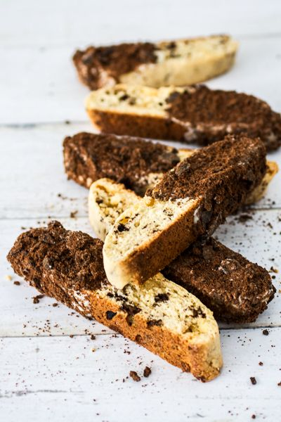 Thin Mint White Chocolate Biscotti- It's Girl Scout cookie time!! Try a different take on the classic Thin Mint cookie with this biscotti recipe...because two cookies are better than one!