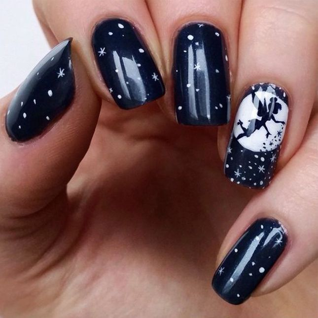 How cool is this Peter Pan Halloween mani?