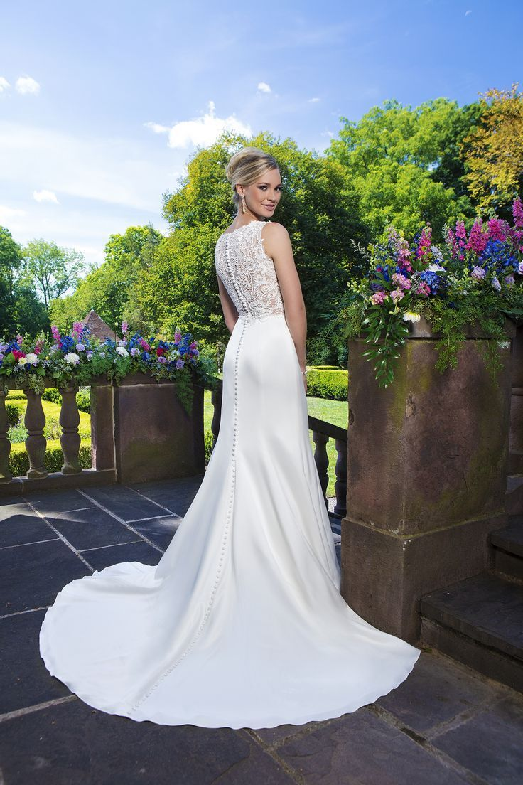 Vera wang plus size wedding dresses  Pin by jooana on wedding ideas for you  Pinterest  Kelly s