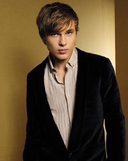 high king of narnia and my new favorite crush ;) {william moseley}