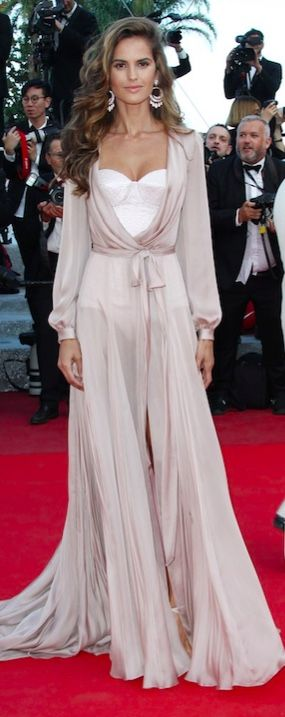 Izabel Goulart in Ralph and Russo and Giuseppe Zanotti shoes / Cannes 2016