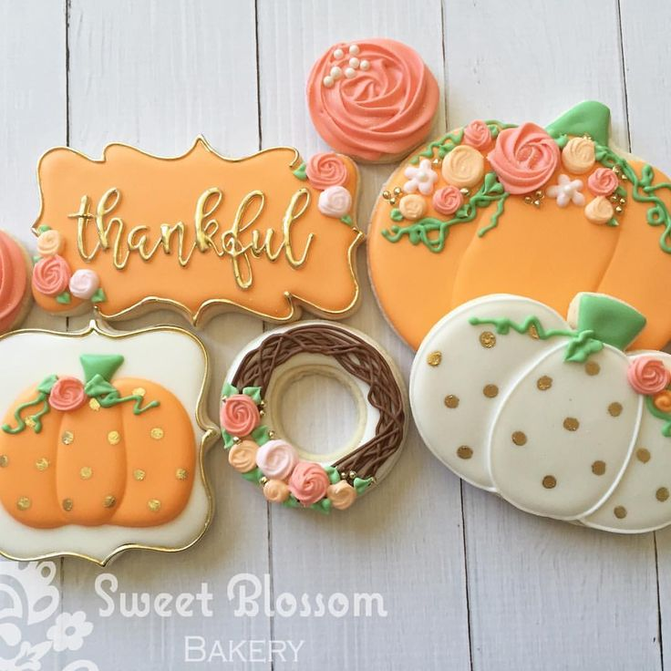 Images of decorated sugar cookies