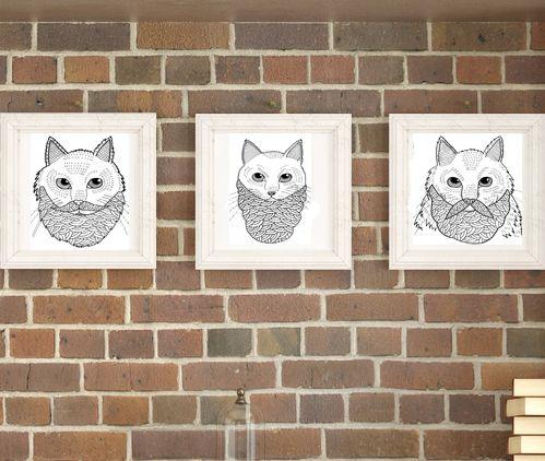 """Компазиция """"Tres gatos"""" -Изделие ручной работы выполнено из дерева; -Дерево предварительно состарено; -Идеально подходит для украшения интерьера в комнате, гостиной или кухне; -Цвет рамок может варьироваться по вашему выбору; -Размер изделия 40х40; -В комплект входят три рамки с изображением бородатых котов."""