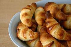 Une recette des croissants légers sans matière grasse Weight watchers, facile et simple à préparer pour le petit déjeuner.