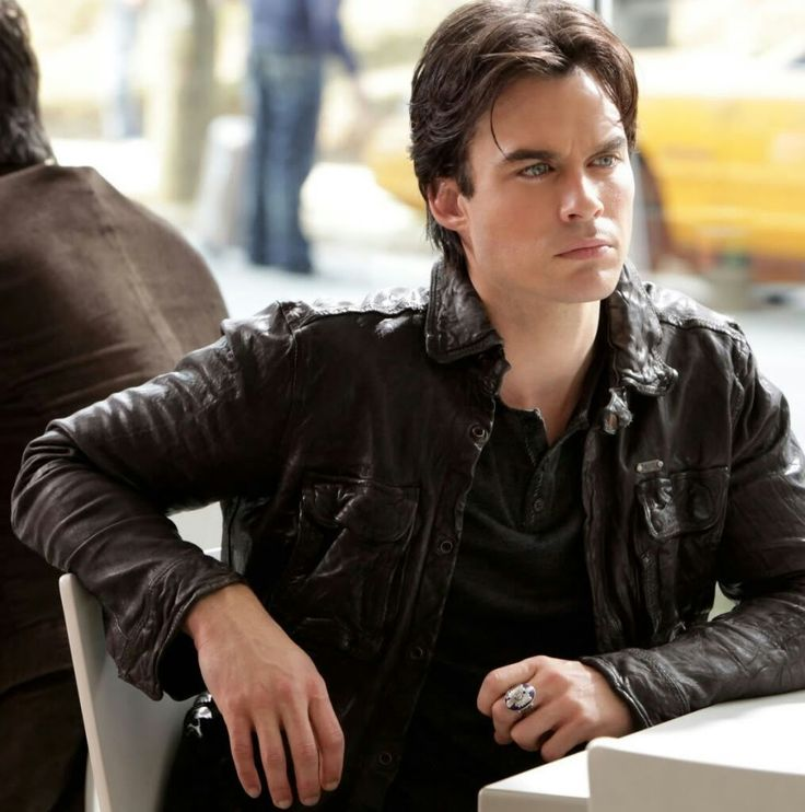 who is damon dating in vampire diaries