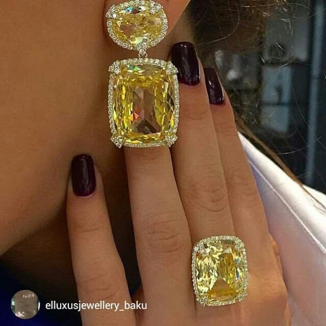 Beeeautifulll matching Judith Ripka earrings and ring by @elluxusjewellery_baku