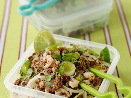 Nudel salad with lime and coriander