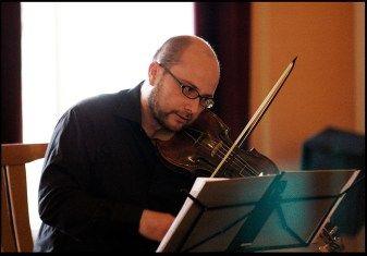 Vít Nermut (baroque violin). See more at www.motusharmonicus.cz