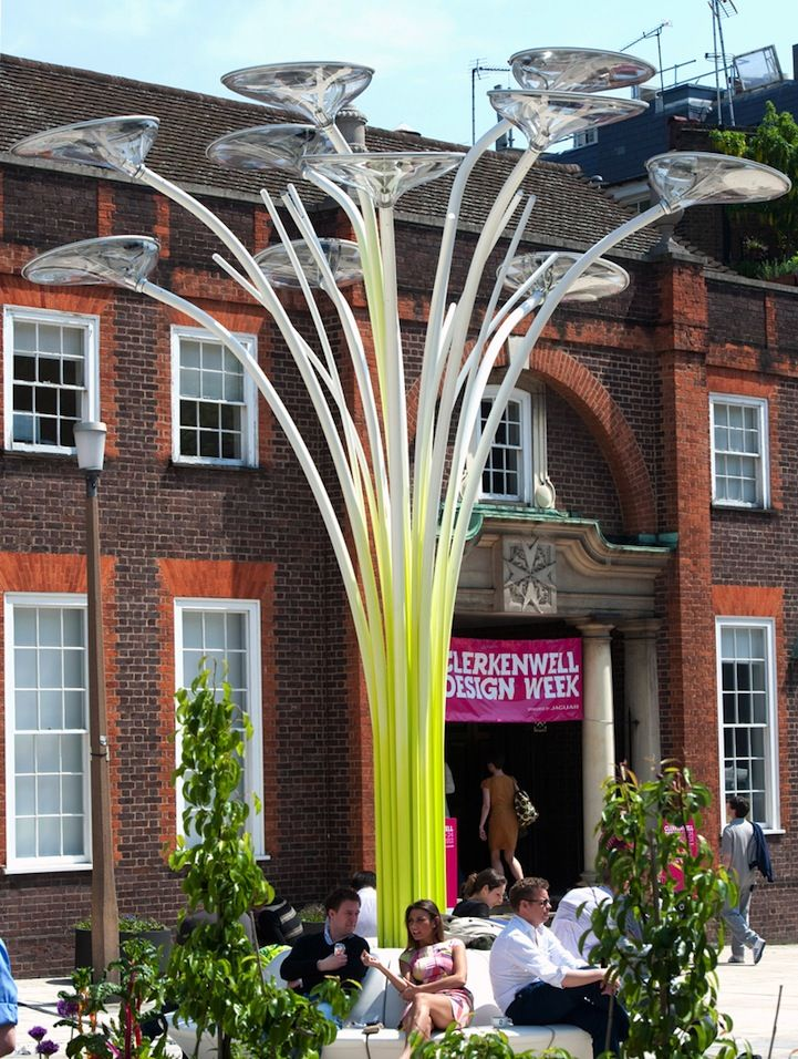 Designed by Welsh designer Ross Lovegrove and manufactured by Artemide, Solar Tree is an urban lighting system created as a part of Clerkenwell Design Week 2012. This futuristic design uses panels and LED lighting units to provide environmentally friendly illumination powered by solar energy.