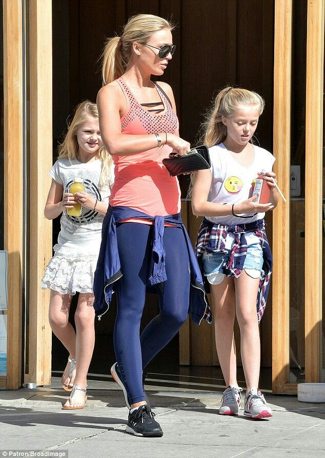 alex gerrard  & her daughters
