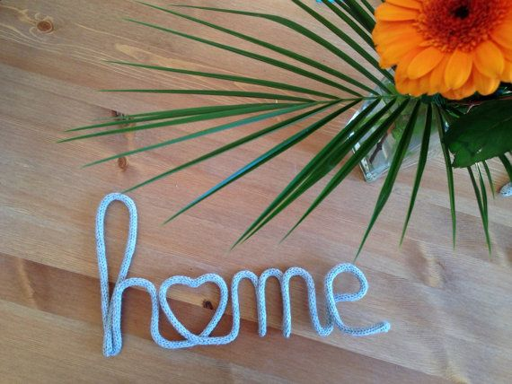 Mot Home en tricotin avec coeur par MissGaelleAToutPrix sur Etsy