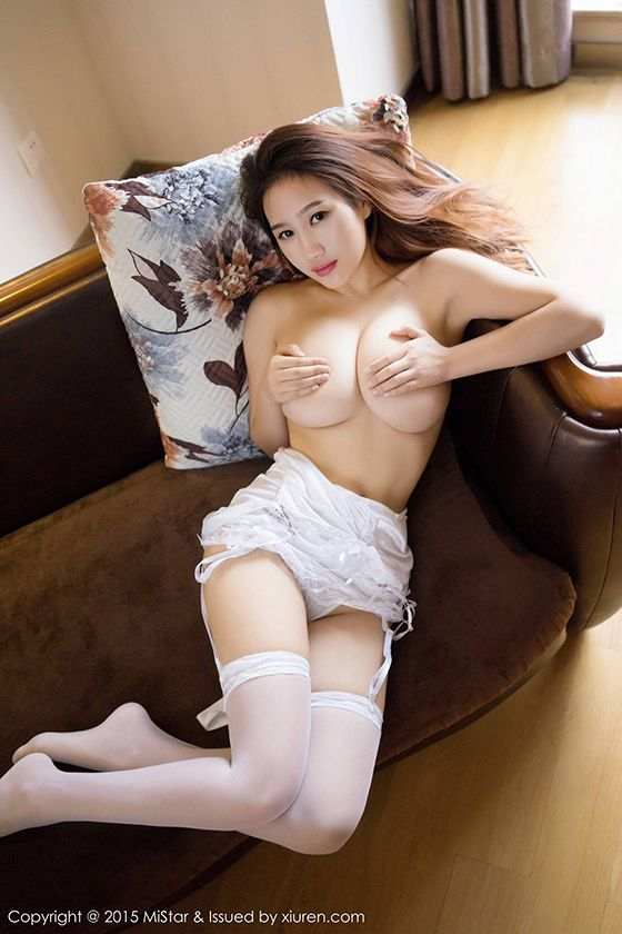 Min Ni - Chinese Babe With A Hot Body