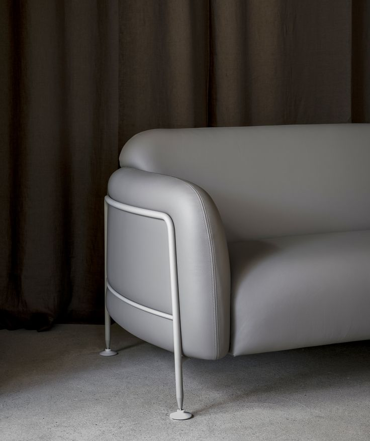 Massproductions Mega 2-Seater Sofa crafted with Sorensen Leather SAVANNE Grey. Photo Jonas Bjerre-Poulsen.