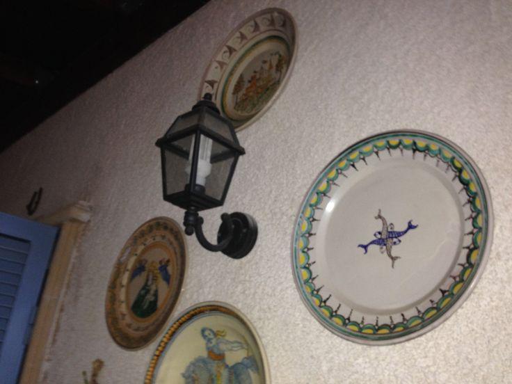 Piatti dipinti a mano #pottery #art #design #luxury #italy #italia #fattoamano #ceramichemastro #ceramica #ceramiche #grottaglie #arte #artigianato #piatti #dishes