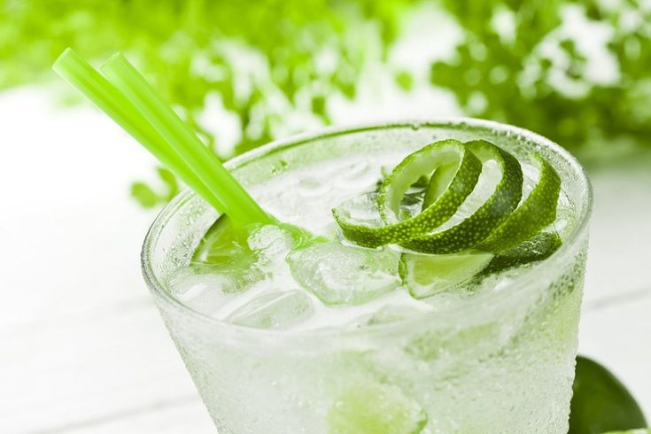 Caipiroska la ricetta del cocktail con ingredienti e dosi