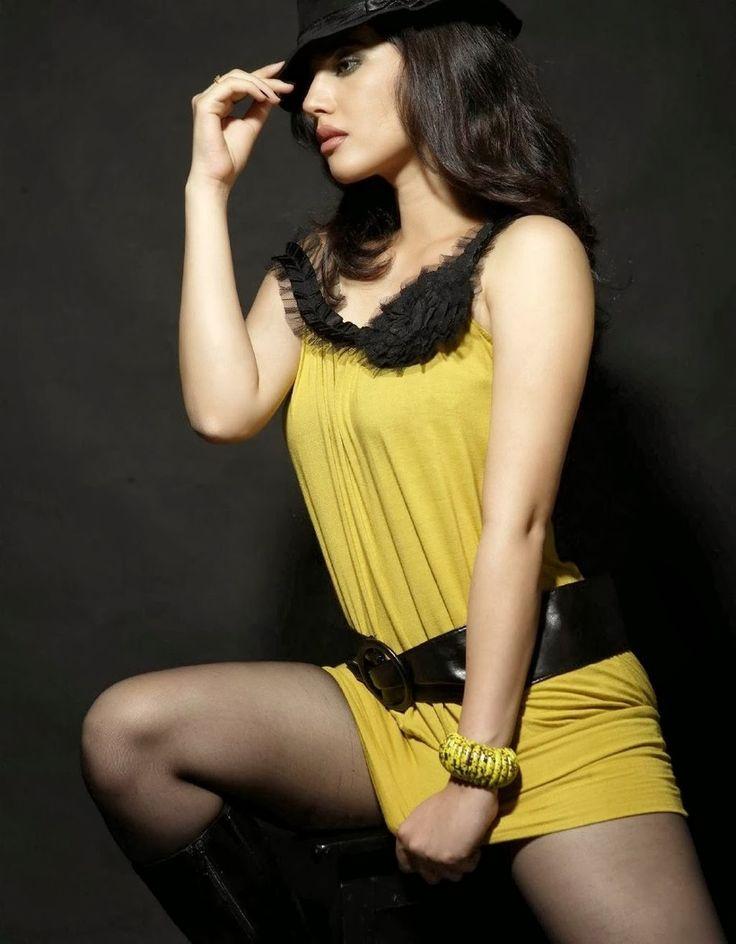 http://1.bp.blogspot.com/-wPPG4KQfU0U/UqDjII62dxI/AAAAAAAAY2I/kA2d9g66s6U/s1600/Sherin+Photo+Shoot+PHOTOS+Hot+(7).jpg