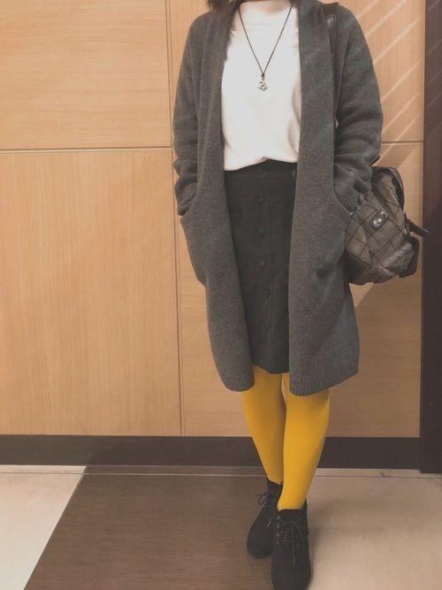 黄色タイツをもっと使いこなしたい ユニクロのコーディガン めちゃくちゃお気に入り 店長にかわいい、い