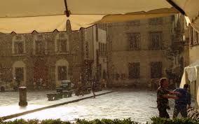 Ιταλία: Νεροποντή στην Φλωρεντία με 11 τραυματίες-tromero