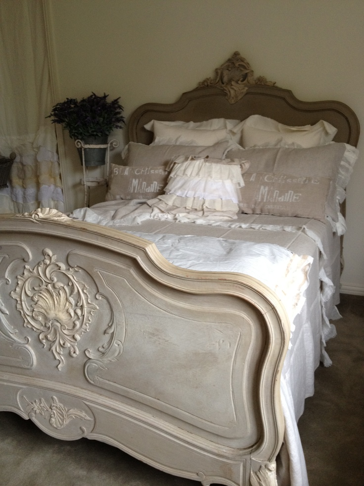 Antique French Bed with linen by Borgio delle Tovaglie. Antique Bedroom…