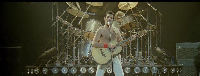 Queen Forever Blog: Freddie Mercury: A Kind Of Magic. La biografia scr...