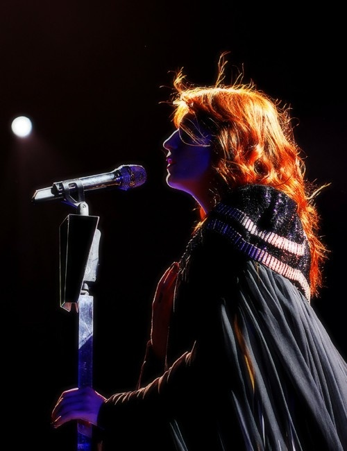 """""""And in the dark, I can hear your heartbeat.""""   #FlorenceAndTheMachine"""