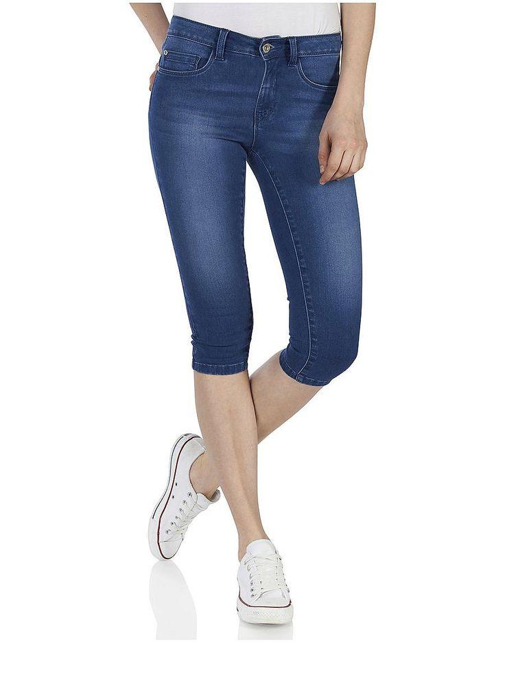 ONLY Denim-Caprihosen., Regular fit., Weicher, dehnbarer Stoff., 2 Vordertaschen und eine Münztasche., 2 Gesäßtaschen., 5 Gürtelschlaufen., Mit Reißverschluss und einem Knopf verschließbar., Das Model ist 176 cm groß und trägt Größe S.,   66% Baumwolle, 32% Polyester, 2% Elasthan...