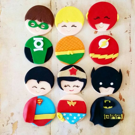 READY TO SHIP !!!Super hero marvel justice league fondant cupcake toppers (Wonder woman, Superman, Batman, Green Lantern