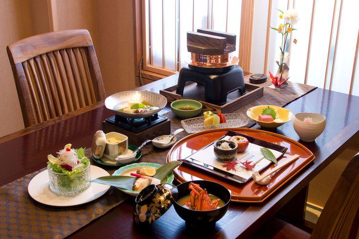 和朝食 【washoku, kaiseki, japanesefood 】 ABBA RESORTS IZU - 坐漁荘 料理長紹介 ■和会席  料理長 井戸伸治 「ふじのくに食の都づくり仕事人」の料理長が、伊豆で新鮮な魚介類を、天城のわさびで楽しんでいただいております。伊豆ジビエ、地元の新鮮な野菜など。伊豆で獲れる多彩な恵みをふんだんに使った、唯一無二の逸品をお楽しみくださいませ。■ABBA RESORTS IZU - 坐漁荘 和会席  http://zagyosoh.com/cuisine/japanese.php #abbaresortsizu #坐漁荘 #unknownjapan #bestlocation #hotsprings #onsen #温泉 #luxuryhotel #neenspa #slh #hotellovers #villas #izu #伊豆 #ryokan #旅館 #cnntravel #teapairing #nationalgeography #lovetrip #japanesetea