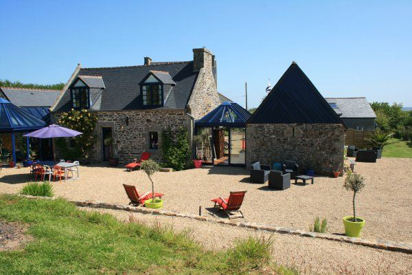 Family & Pet Friendly Holiday rental near Carantec, Morlaix with Pool