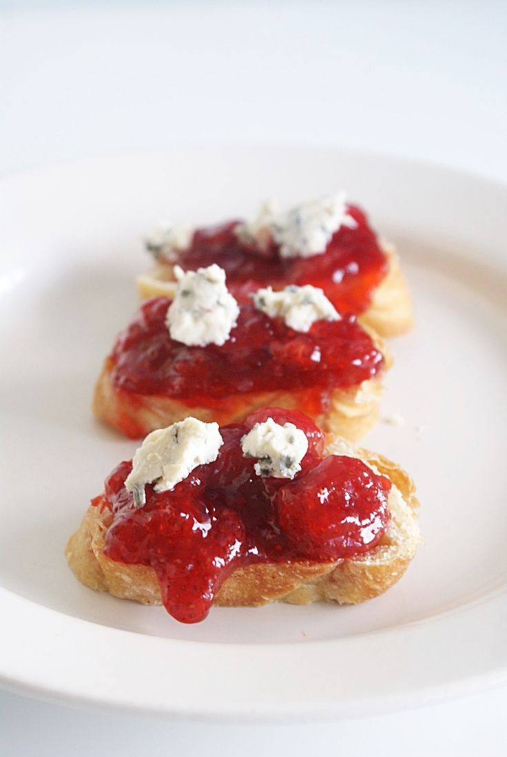 danish strawberry marmalade with blue cheese
