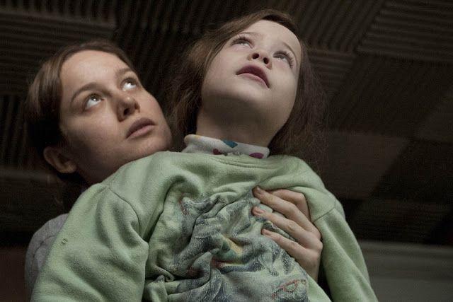 O QUARTO DE JACK, 2015 - Dirigido por Lenny Abrahamson. Título original: Room. Elenco: Brie Larson, Jacob Tremblay, Joan Allen. Gênero: Drama/ Suspense. País de origem: Canadá, Irlanda.