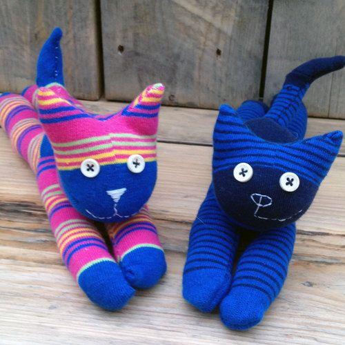 MIY Mini chaussette Kitty Kit jumeaux  chat cadeau par MissLizMakes                                                                                                                                                     Plus