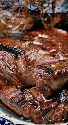 Marinated Beef Sirloin Tip Steaks - this super simple marinade transforms these steaks into a mouthwatering dinner! ❊