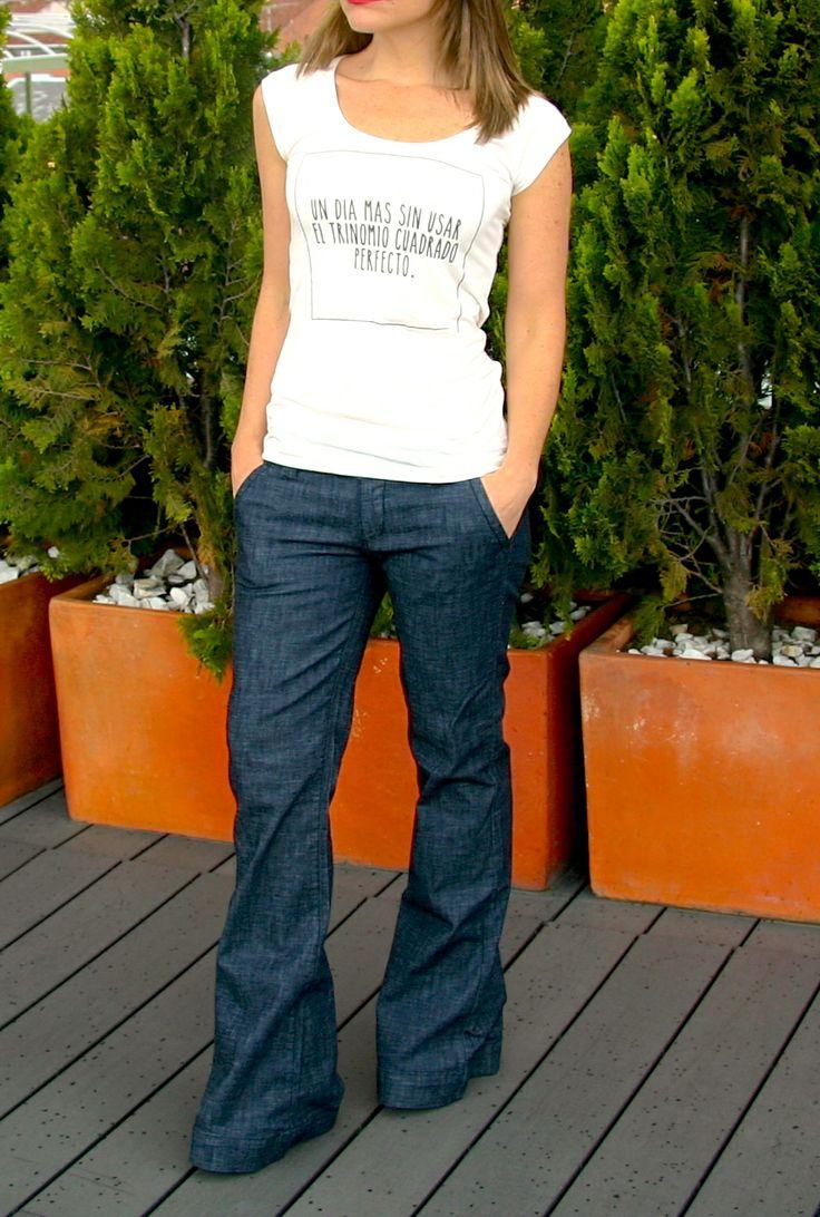 Camiseta UN DIA MAS SIN USAR EL TRINOMIO CUADRADO PERFECTO. Tshirt, blouse, top, jean, cool, outfit, fancy.  @R T