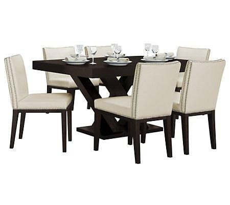 Dining Set Includes Rectangular Table And Four Vintage Side Chairs With Contemporary Style A Dash Of Hollywood Shimmer The Extraordinary Design