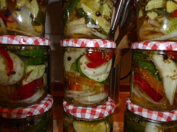 Gurken einlegen oder Gurken einkochen: Rezept für eingelegte Gurken süß-sauer