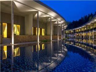 sentul city : fasilitas green savana hotel