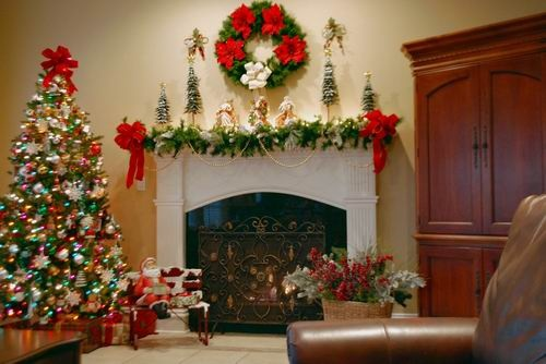 Christmas ☃ Winter Mantel, Wreath, Tree & Red Bows