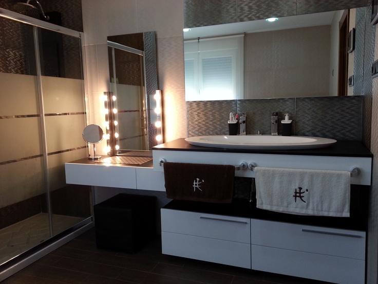Decoracion moderno ba o tocador lamparas espejos - Interiorismo banos modernos ...
