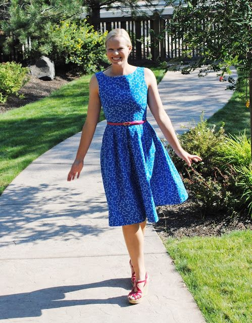 bespokeability: The Sciencey Dress: Simplicity 2444