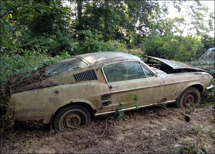1967 Ford Mustang barn find