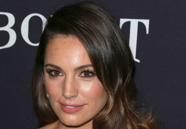 Kelly Brook's was naked for her U.S. TV series pilot!
