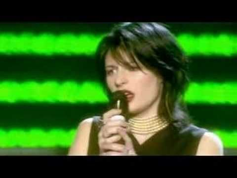 Rod Stewart & Amy Belle- I Dont Want To Talk About It - Excellent Video ! -