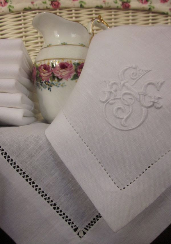 My favorite embroidery, white on white. See the hemstitch detail? Exquisite. Elisabetta ricami a mano