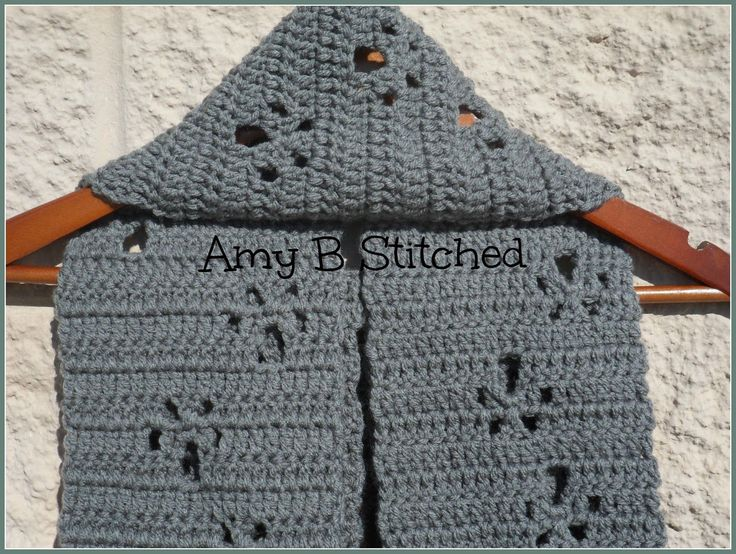 A Stitch At A Time for Amy B Stitched: Meandering Paw Prints FREE Scarf Pattern