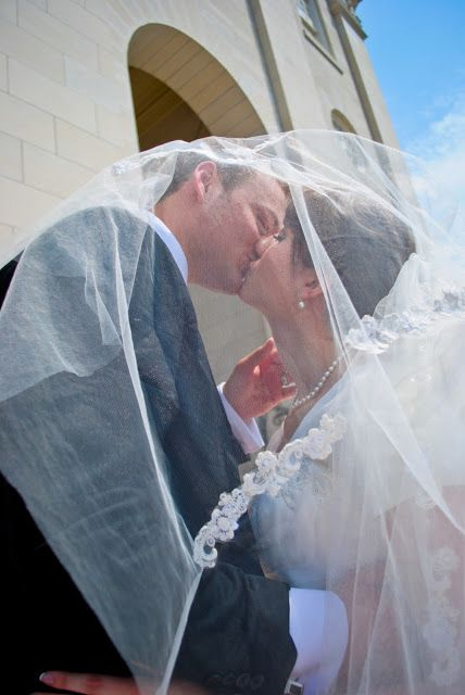 Summer Wedding at Nauvoo Temple Illinois   Beautiful Mormon Temple Wedding in Nauvoo Blog post with snippets of Wedding Photography