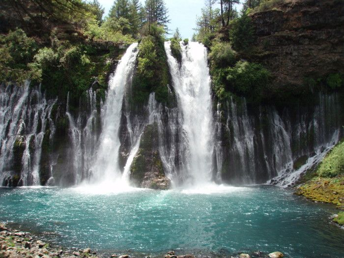 15 Hidden Waterfalls in Northern California -- http://www.onlyinyourstate.com/northern-california/waterfalls-nor-cal/