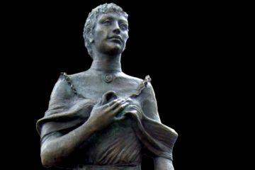 Statua di Maria Ceccarini. Riccione http://www.riccionesocialclub.it/eventi/passeggiata-culturale-nei-dintorni-viale-ceccarini
