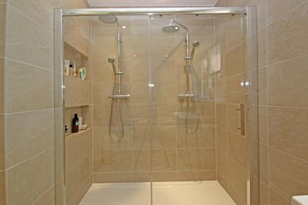 Twin shower very romantic
