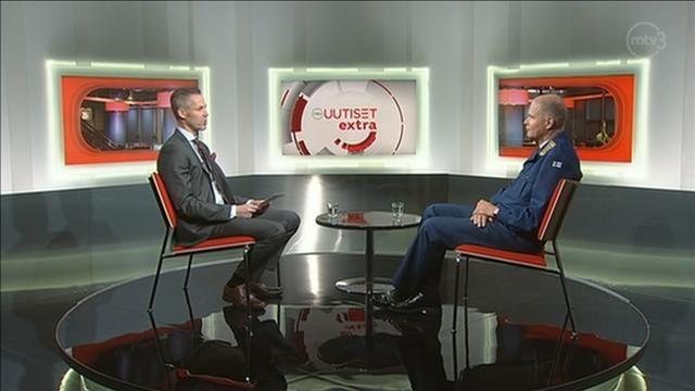Puolustusvoimain komentaja Jarmo Lindberg sanoo Helsingin Sanomien haastattelussa, että Suomen pitäisi ottaa opiksi Ukrainan sotilaallisista kriiseistä. Lindbergin mukaan Venäjä valtasi Krimin niin nopeasti, että ukrainalaiset ymmärsivät asian vasta, kun oli liian myöhäistä.